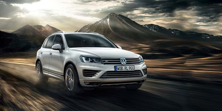 Touareg on the freeway